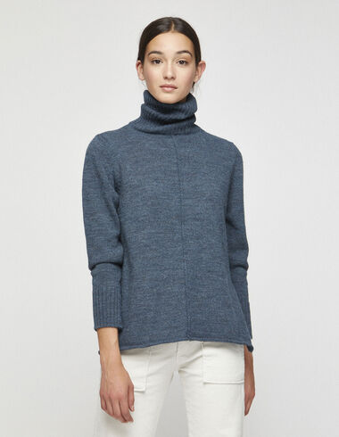 Women´s blue turtleneck jumper with slits - View all > - Nícoli