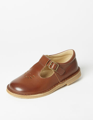 Brown buckel sandles - View all > - Nícoli