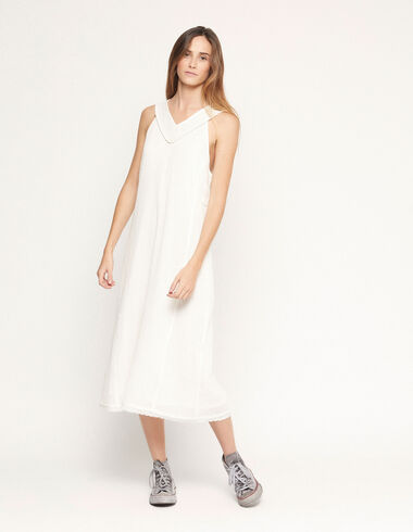 Long white dress with gold stitching - View all > - Nícoli